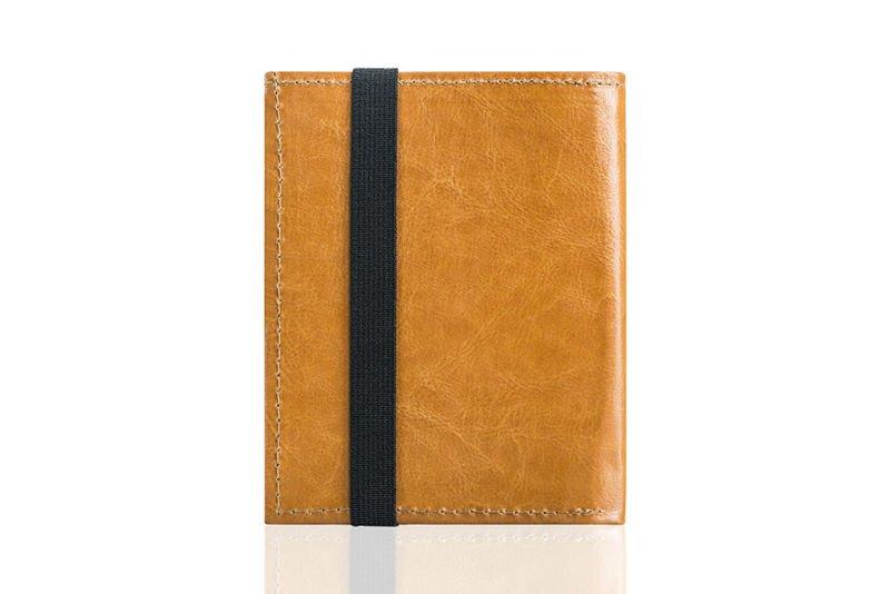 2e2ecc94c302b ... Jasno brązowe skórzane portfel etui na paszport SOLIER ALEXANDRIA ...