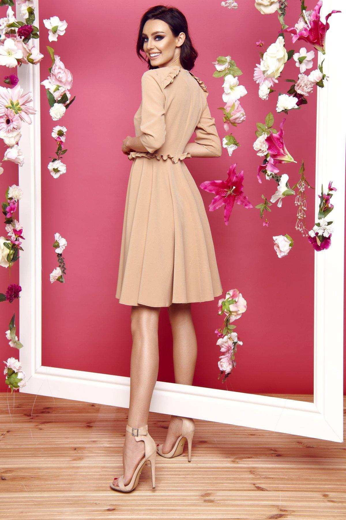 0c56821623 lemoniade Kobieca sukienka z falbankami ciepły beż - Merg.pl