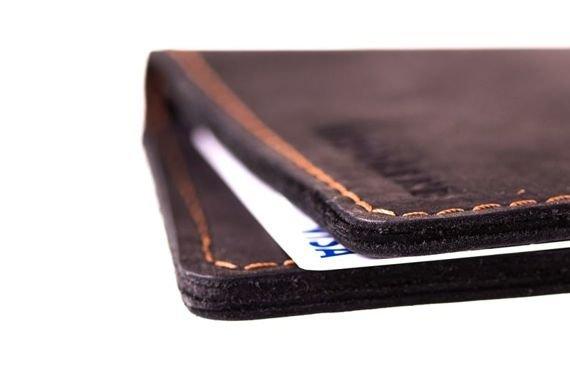 Cienki portfel ze skóry naturalnej BRODRENE czarny
