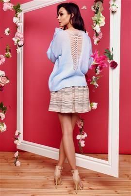 Sweter ze splotem na plecach błękitny